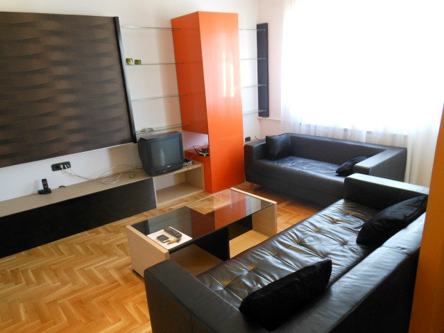 Stan 55m² Novi Beograd blok 22