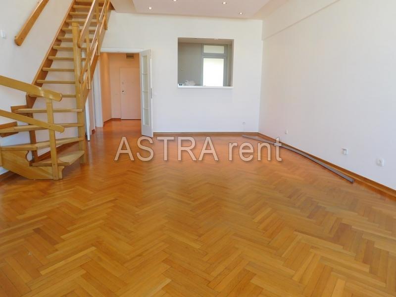 Poslovni prostor 150m² Novi Beograd YUBC