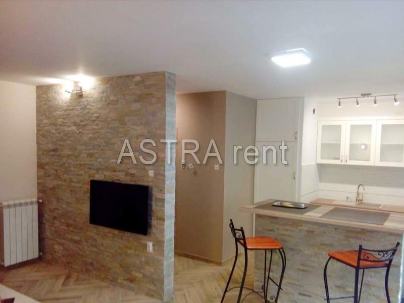 Stan 65m² Novi Beograd Hotel Yu