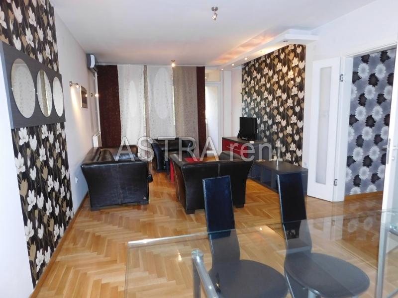 Stan 68m² Novi Beograd blok 22