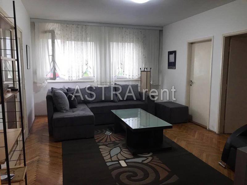 Stan 68m² Novi Beograd blok 21