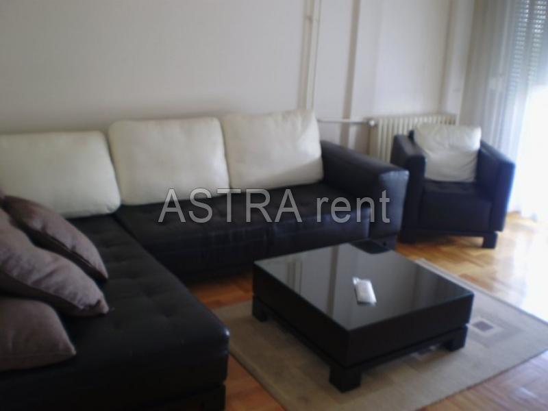 Stan 66m² Novi Beograd blok 62