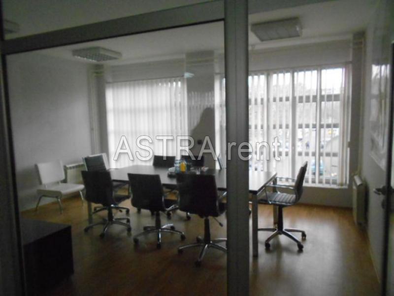 Poslovni prostor 150m² Novi Beograd Stari Merkator