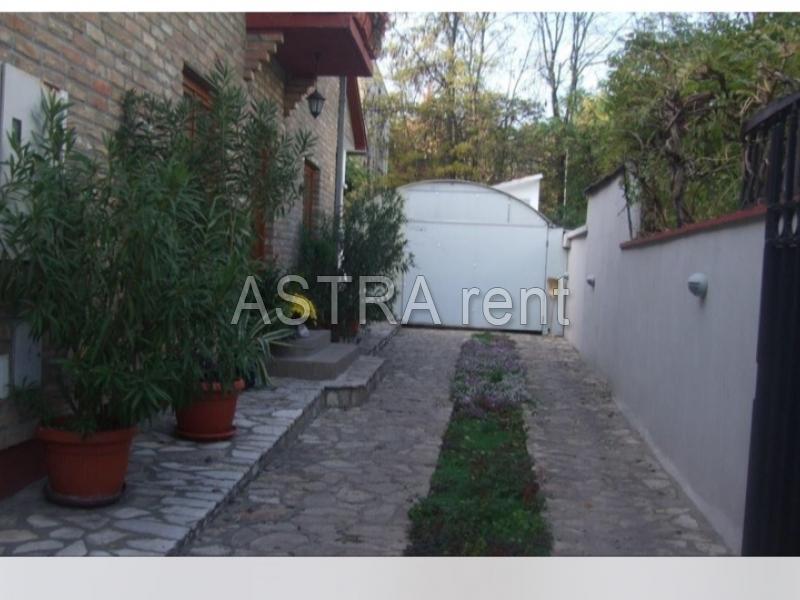 Poslovni prostor 200m² Novi Beograd blok 63