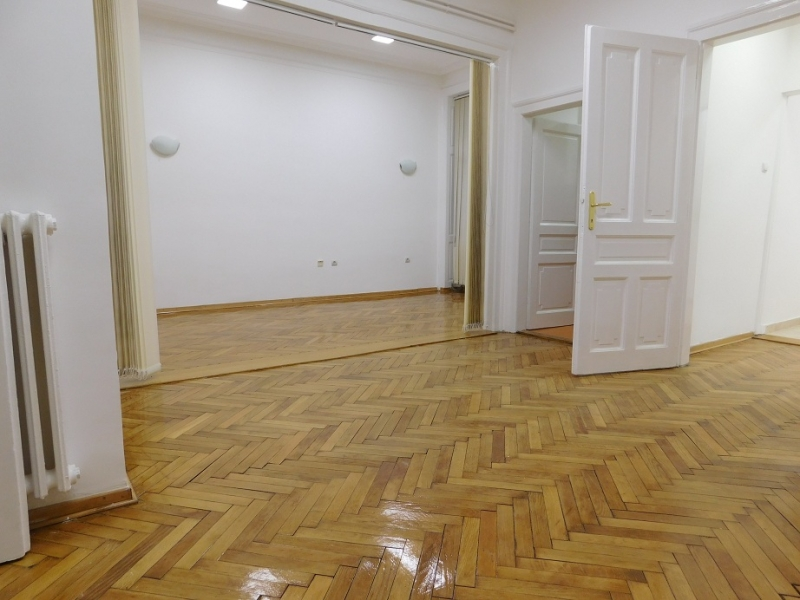 Poslovni prostor 103m² Centar