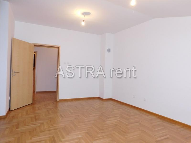 Poslovni prostor 84m² Vidikovac