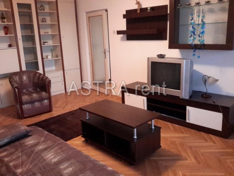 Stan 80m² Novi Beograd Blok 11