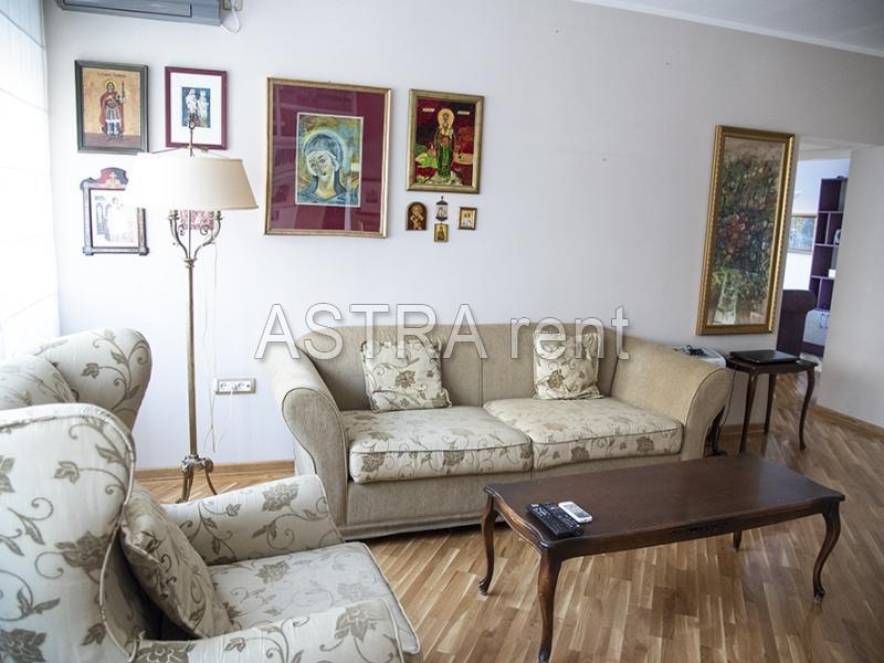 Stan 75m² Novi Beograd Stari Merkator