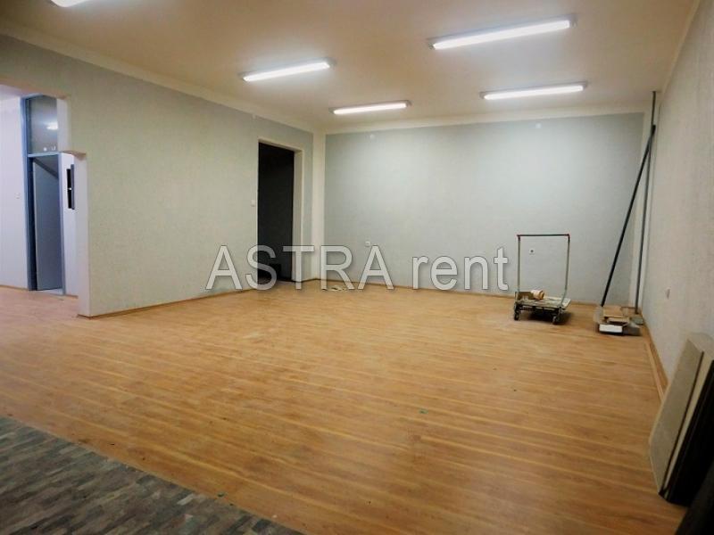 Poslovni prostor 80m² Novi Beograd blok 62