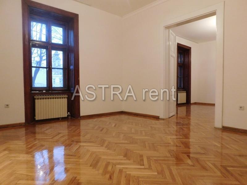 Kuća 250m² Centar