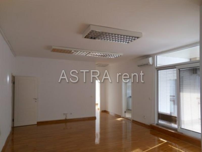 Poslovni prostor 186m² Novi Beograd YUBC