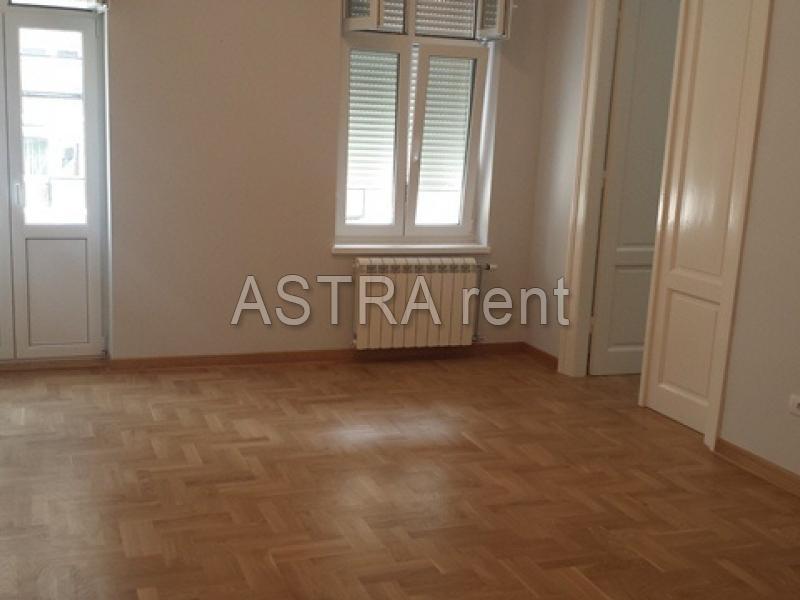 Poslovni prostor 90m² Centar